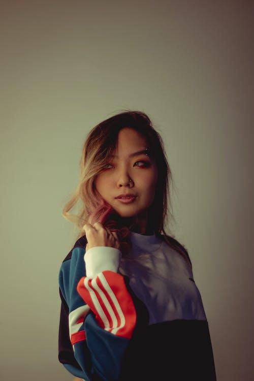 Ingyenes stockfotó álló kép, ázsiai nő, barna, elnéz témában
