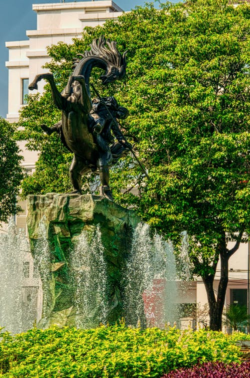Çeşme, heykel, Su çeşmesi içeren Ücretsiz stok fotoğraf