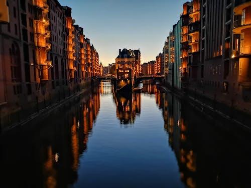 Gratis lagerfoto af aften, arkitektur, bygninger, flod