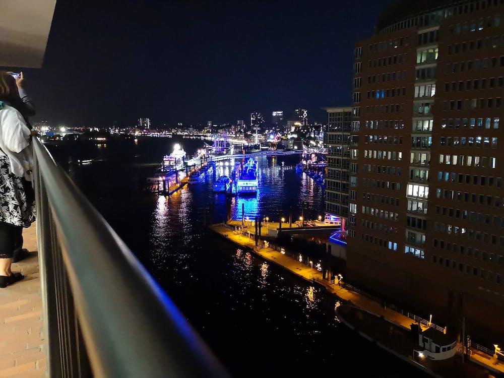 Free stock photo of boats, Elbphilharmony, hamburg