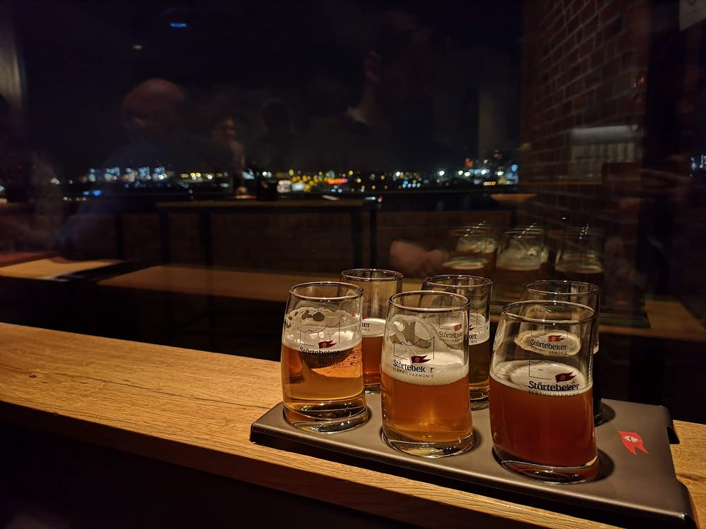 Gratis stockfoto met balk, bar, bier