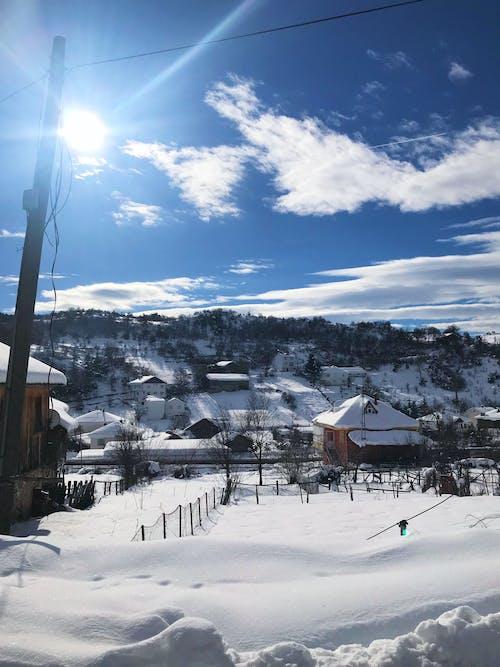 Kostenloses Stock Foto zu häuser, kalt, schnee, snowcapped