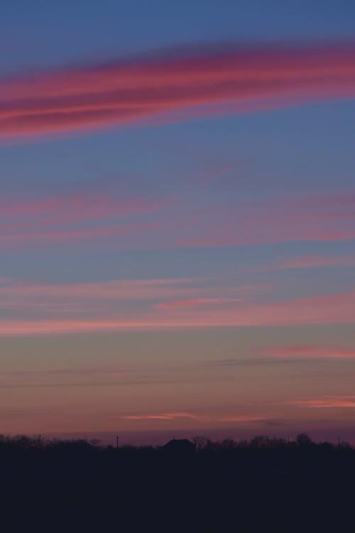 Fotobanka sbezplatnými fotkami na tému dramatická obloha, dramatický, exteriéry, horizont