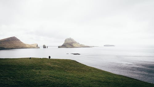 Fotos de stock gratuitas de acantilado, agua, al aire libre, amanecer