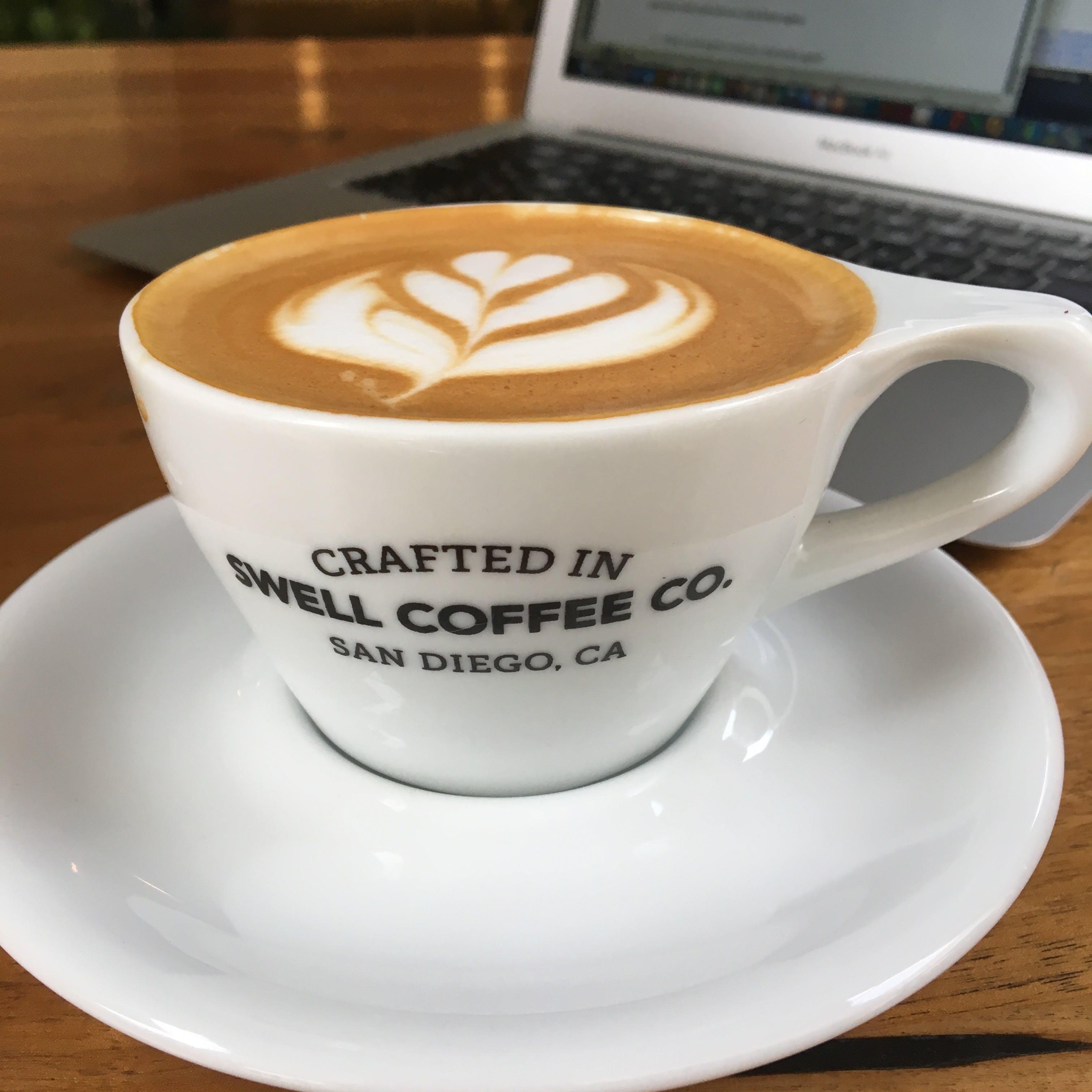 Kostenloses Stock Foto zu becher, cappuccino, espresso, frühstück