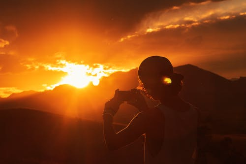 açık hava, akşam karanlığı, arkadan aydınlatılmış, barışçıl içeren Ücretsiz stok fotoğraf