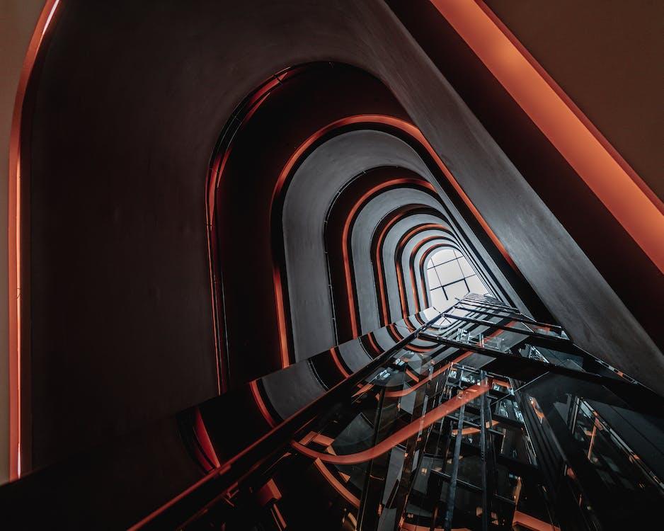 cầu thang, cầu thang xoắn, đồng thời