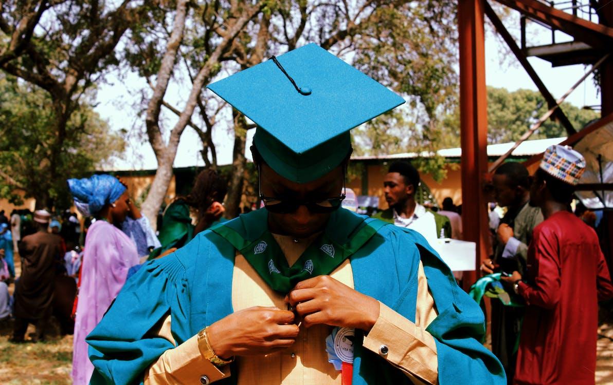 академическая одежда, академические регалии, выпускник