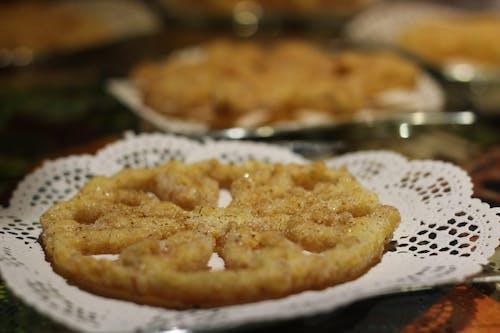 Foto d'estoc gratuïta de buñuelos, canyella, fritter, sucre