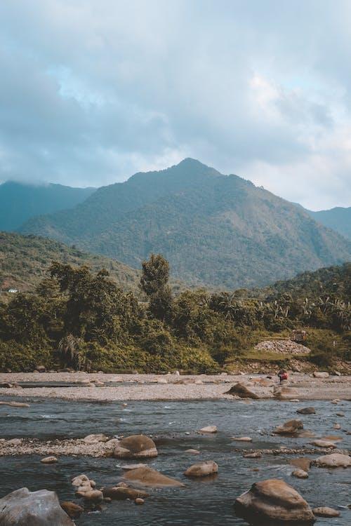 Δωρεάν στοκ φωτογραφιών με ακτή, αυγή, βουνό, βράχια