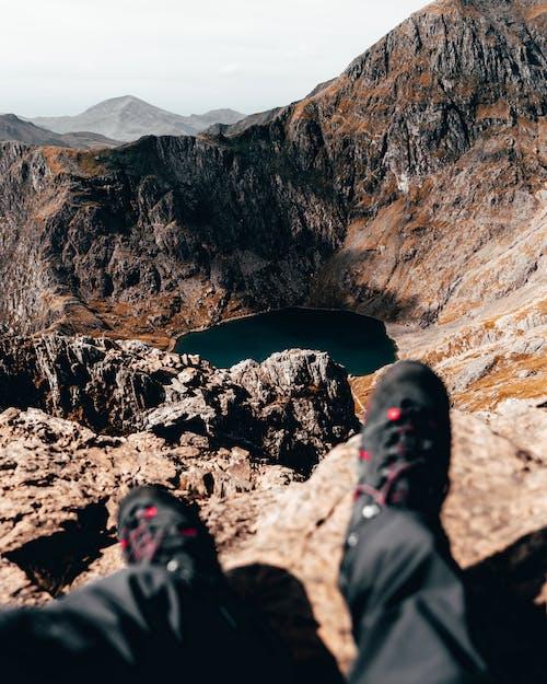 Foto d'estoc gratuïta de a l'aire lliure, aigua, assegut, aventura