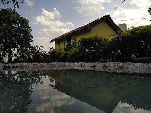 Photos gratuites de bord de piscine, ciel bleu, eau bleue, eau claire