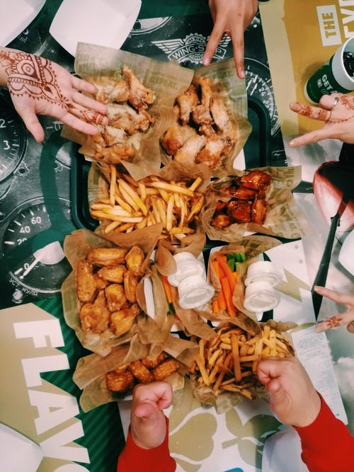 Foto stok gratis kawan, kentang goreng, makan