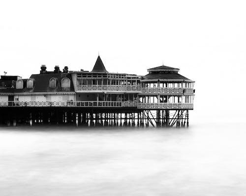 Imagine de stoc gratuită din alb-negru, apă, arhitectură, călătorie