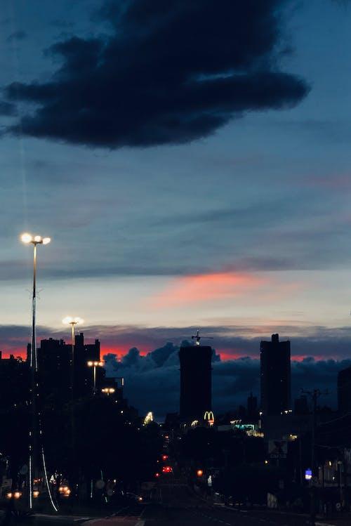 光, 剪影, 城市, 天空 的 免费素材照片