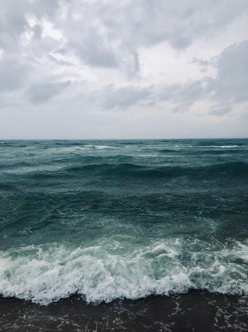 Kostenloses Stock Foto zu landschaftlich, meer, meeresküste, meerschaum