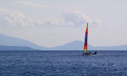 丘陵, 双体船, 帆船, 希臘 的 免费素材照片