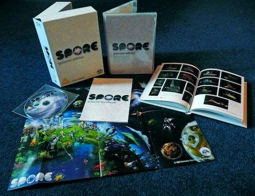 光碟, 孢子, 手冊, 电子游戏 的 免费素材照片