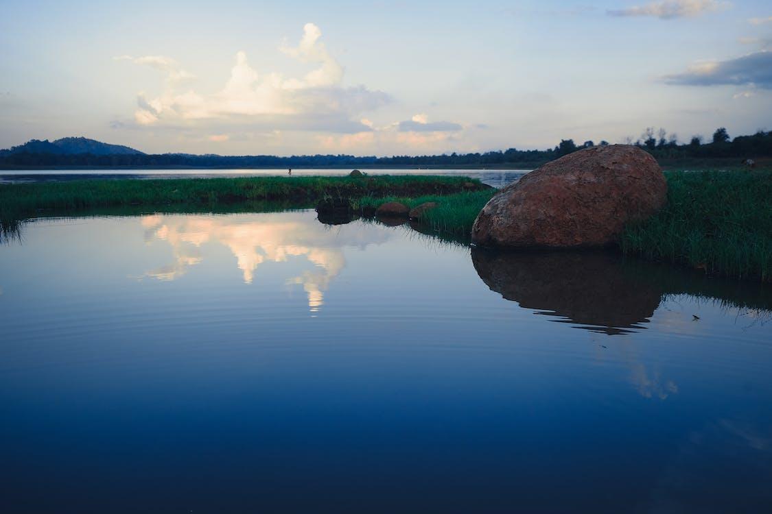 jezero, odraz, řeka