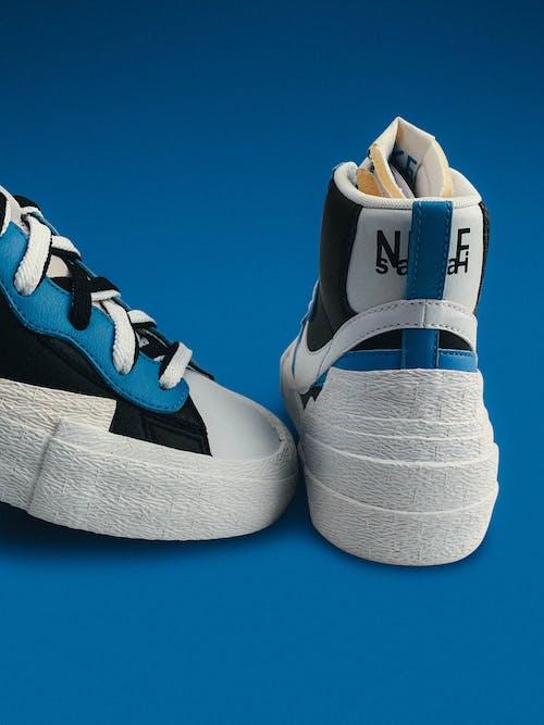 Darmowe zdjęcie z galerii z buty, gumować, kolor, moda