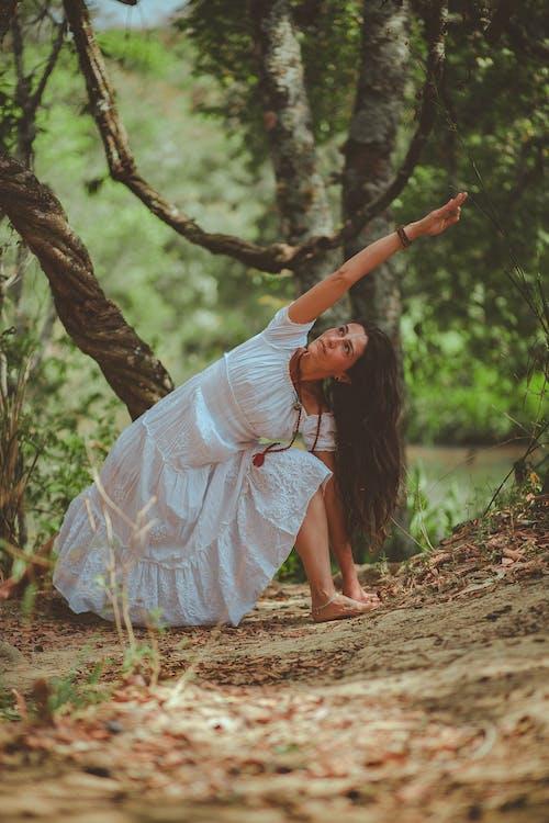 cây, đàn bà, đất