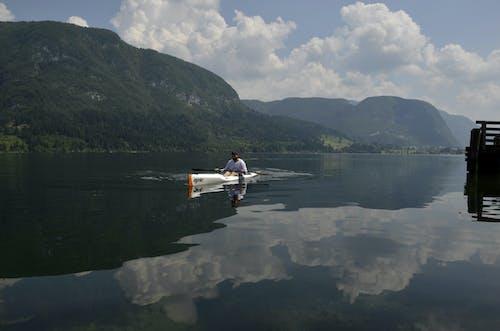 Fotobanka sbezplatnými fotkami na tému jazero, kopec, leto, mraky