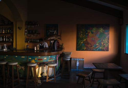Gratis arkivbilde med arkitektur, bar, bord, design