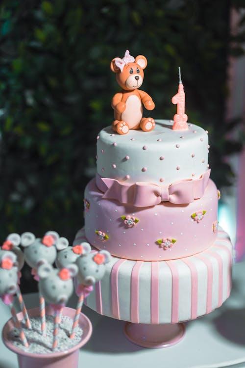 Pink and White 3-layered Cake