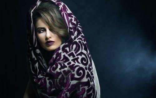 模型與圍巾 的 免費圖庫相片