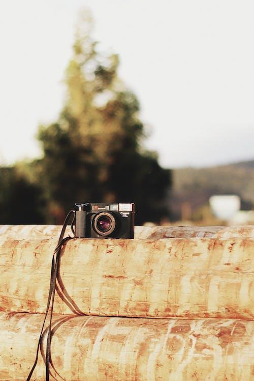 Immagine gratuita di fotocamera, macchina fotografica analogica, oggetto d'antiquariato