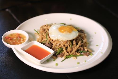 계란, 국수, 길거리 음식, 볶음의 무료 스톡 사진