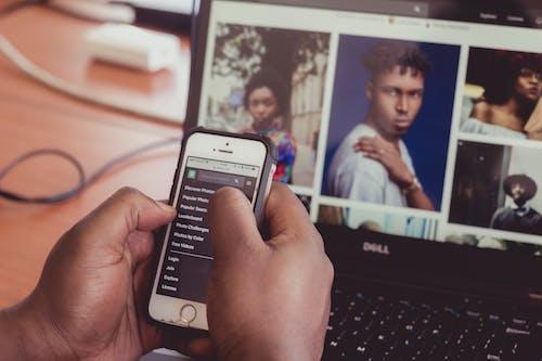 akıllı telefon, aramak, aygıtlar, cep telefonu içeren Ücretsiz stok fotoğraf