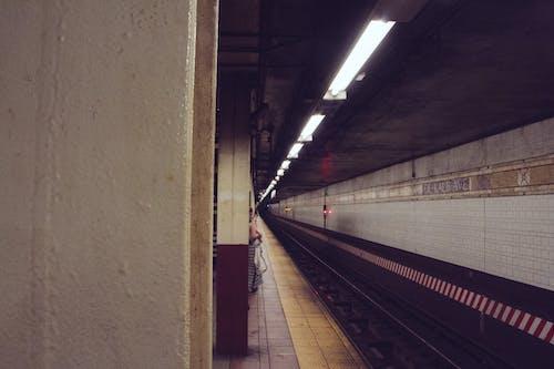 Foto d'estoc gratuïta de estació, fosc, metro, Nova York
