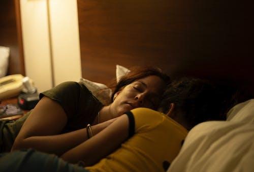 Ảnh lưu trữ miễn phí về buồn ngủ, con gái, khách sạn, latin