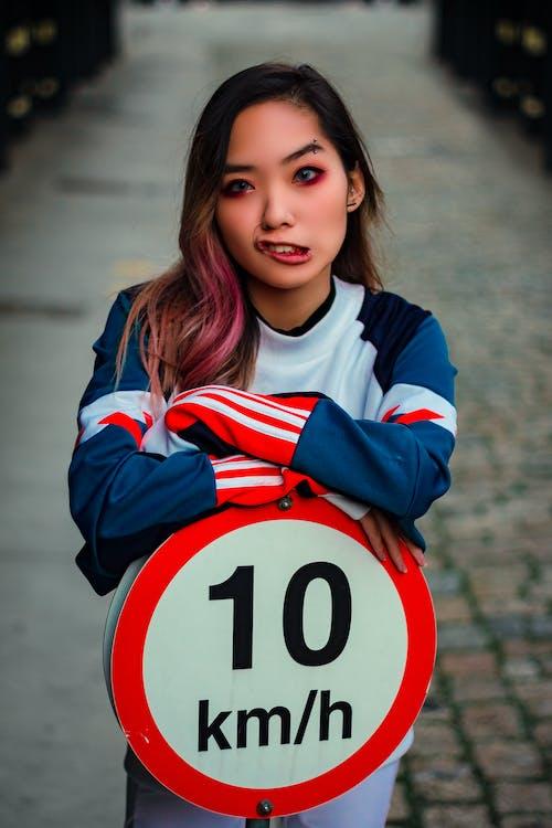 Foto stok gratis batas kecepatan, berbayang, berfokus, berkonsentrasi