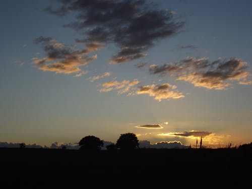 Ilmainen kuvapankkikuva tunnisteilla auringonlasku, iltataivas, leeds, leedsin otley-tie