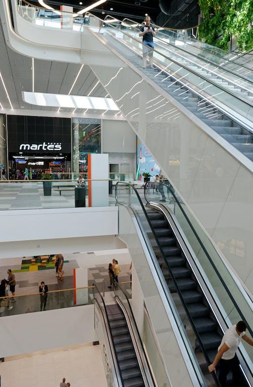 Kostenloses Stock Foto zu beleuchtung, einkaufen, einkaufszentrum, entertainment