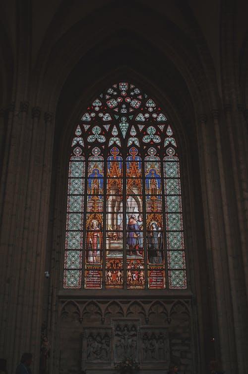Kostenloses Stock Foto zu architektur, bogen, buntglas, christian