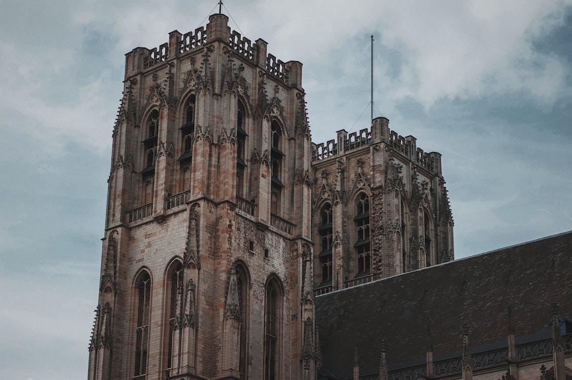 abație, antic, arhitectură