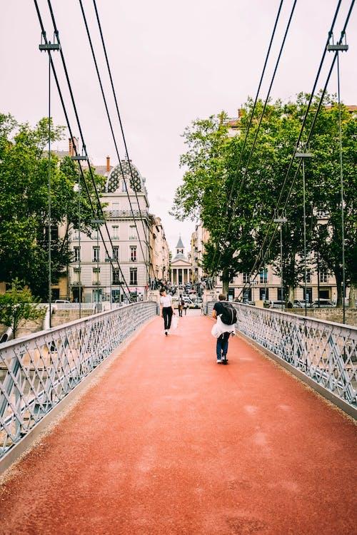 Fotobanka sbezplatnými fotkami na tému cestovanie, cestovať, chôdza, denné svetlo