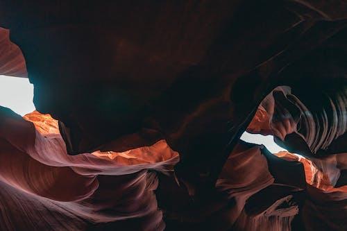 Foto d'estoc gratuïta de a l'aire lliure, Canyó de l'Antílop, cova, formació geològica