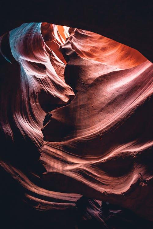 Foto stok gratis bidikan sudut sempit, cahaya dan bayangan, di luar rumah, formasi batuan