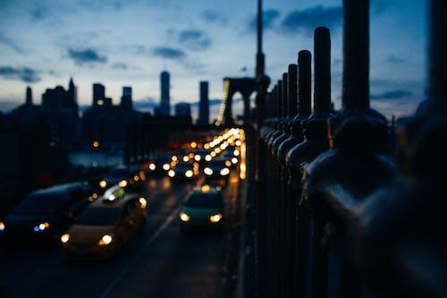 Foto d'estoc gratuïta de arquitectura, brooklyn, capvespre, carrer