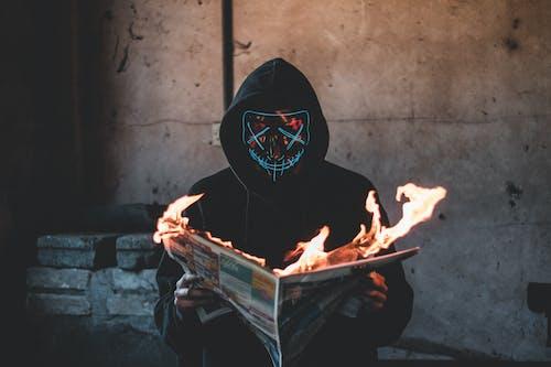 Kostenloses Stock Foto zu altes gebäude, beton, brand, brennen