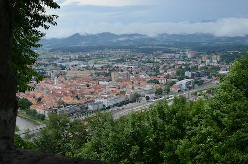 Fotobanka sbezplatnými fotkami na tému hrad, letecký pohľad, mesto, panoráma mesta