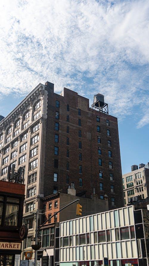 Darmowe zdjęcie z galerii z apartament, architektura, budynek, miejski
