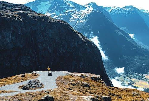 Gratis stockfoto met altitude, beklimmen, bergbeklimmen, bergen