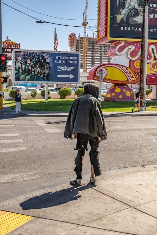 Fotobanka sbezplatnými fotkami na tému bez domova, cesta, chodník, mesto