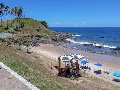 Immagine gratuita di cielo azzurro, Cristo, spiaggia