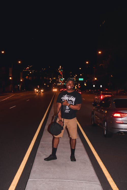 Kostenloses Stock Foto zu asphalt, betonoberfläche, mann, nachtzeit